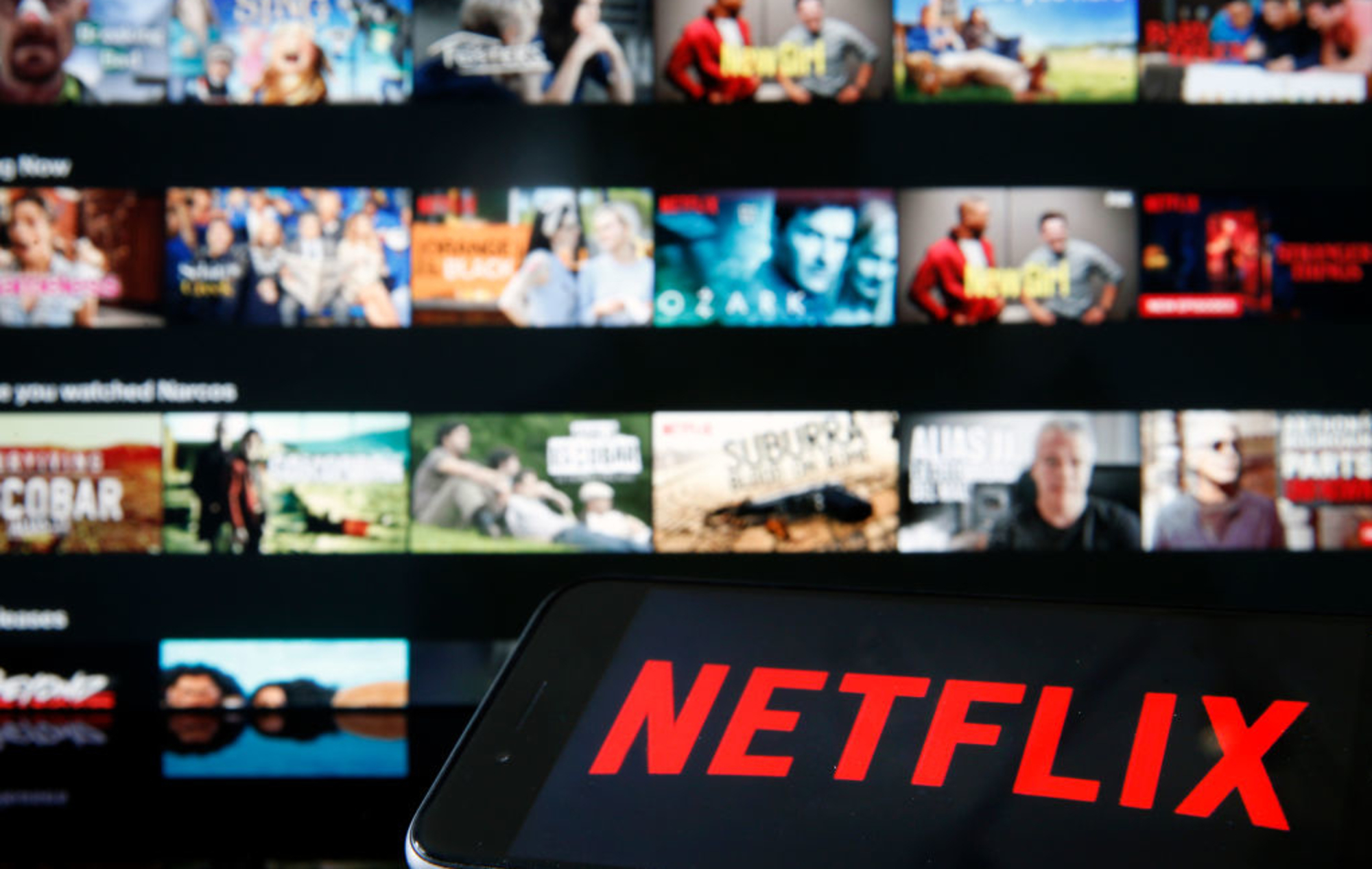 """Netflix thử nghiệm tính năng mới, hạn chế """"vấn nạn"""" chia sẻ mật khẩu"""